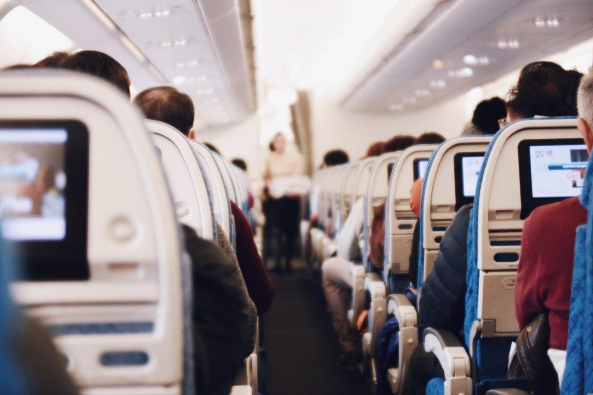 不給ck101.com/就投訴!空姐下了飛機「秒裝不認識」 搭訕哥氣喊:我坐商務艙欸