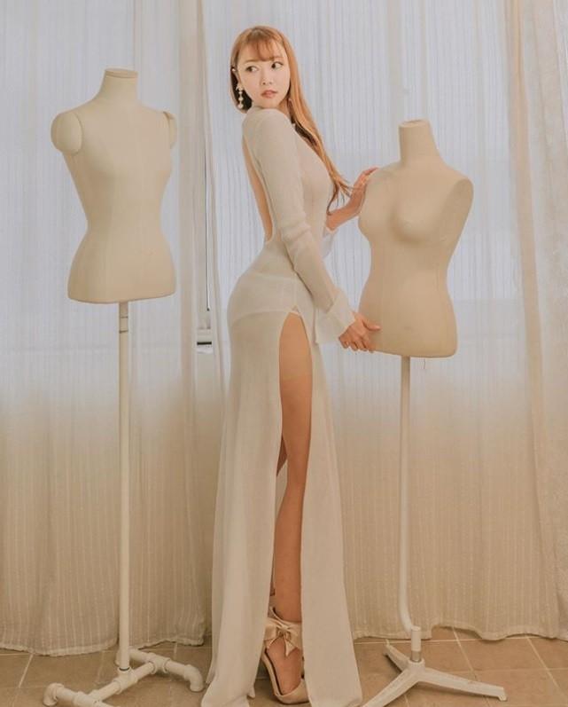 最美設計師原來這麼辣!透視裙乍出逆天S曲線