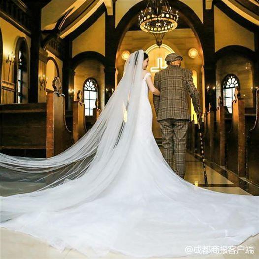 這組婚紗照感動億萬人 不過嬌美新娘身旁不是新郎 而是 | 爺爺 | 病重 | 符雪薇
