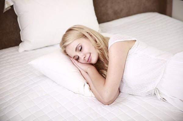 睡覺總流口水不是因為饞竟然是這裡發出警訊!