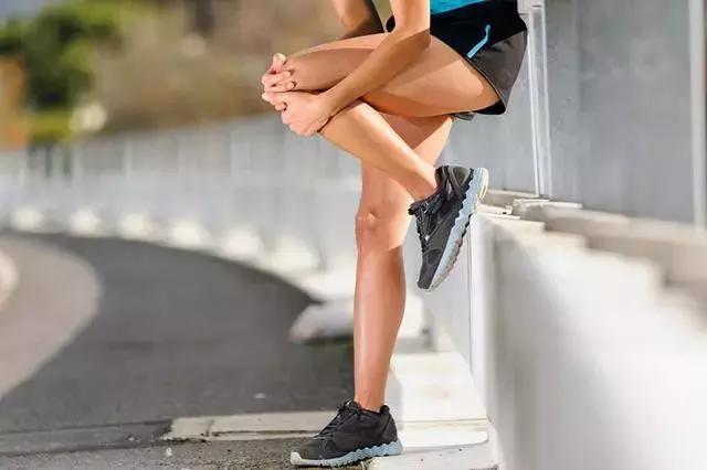 這個動作比跑步還毀膝蓋三倍,也最損害身體,你卻天天在做!