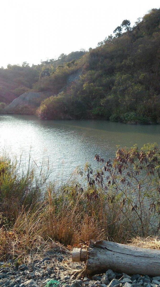 驚!與家人在夢幻湖拍到的靈異照片 如果膽子夠大的話,可以拉近看看.....我是已經不敢再看了!