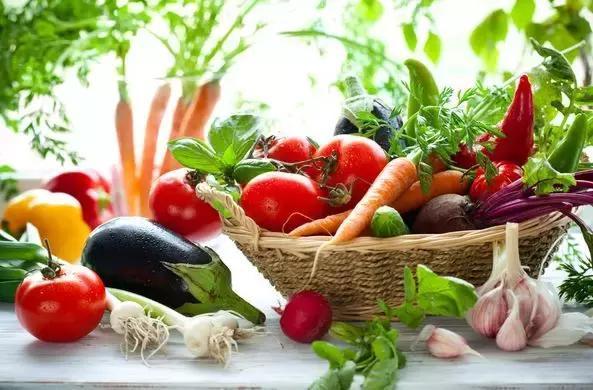 還在用淘米水去果蔬殘留農藥? 更簡單有效的方法,是這3種!