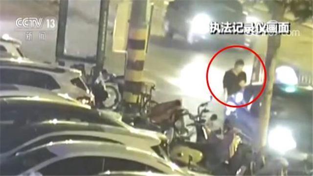 男子走路低頭看手機被撞 全身多處骨折